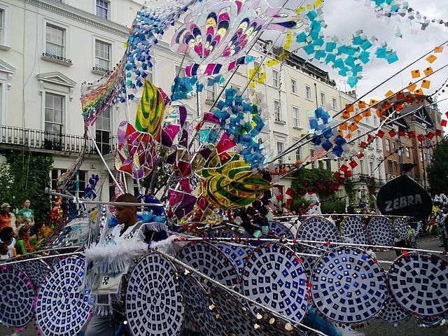 Pfau-Kostüm beim Karneval in Notting Hill